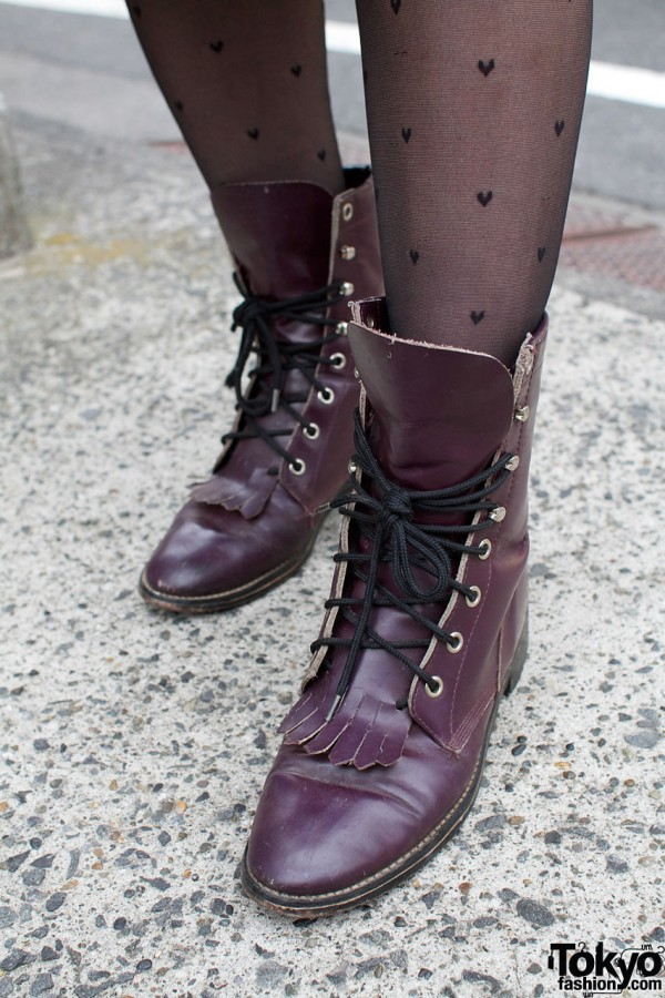 Black stockings & Panama Boy boots