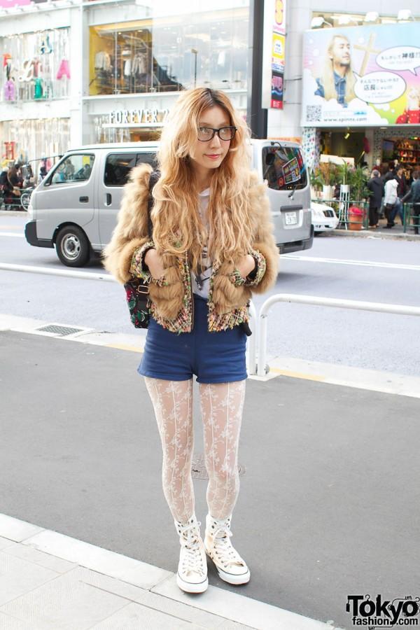 Blonde hair & 2000000fragments fur jacket