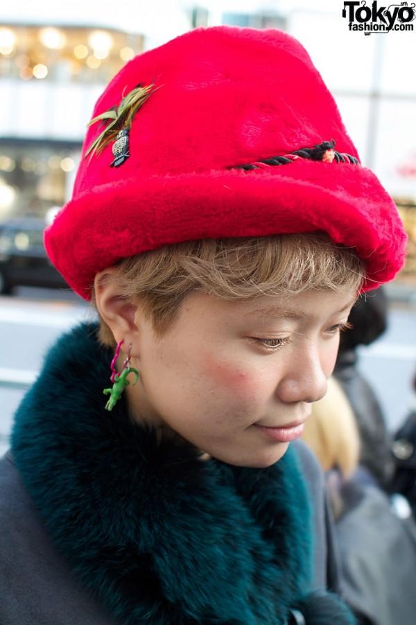 Plush pink hat & crocodile earring