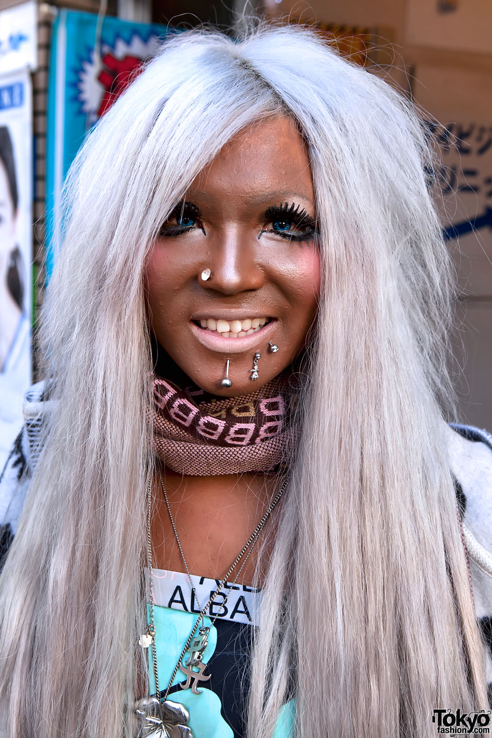 Old School Ganguro Wearing Alba Rosa In Shibuya
