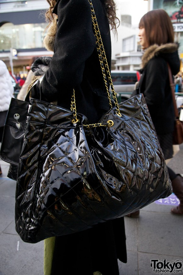 Large patent leather bag with chain handle