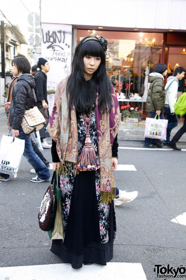 Grimoire Girl in Paisley Shawl