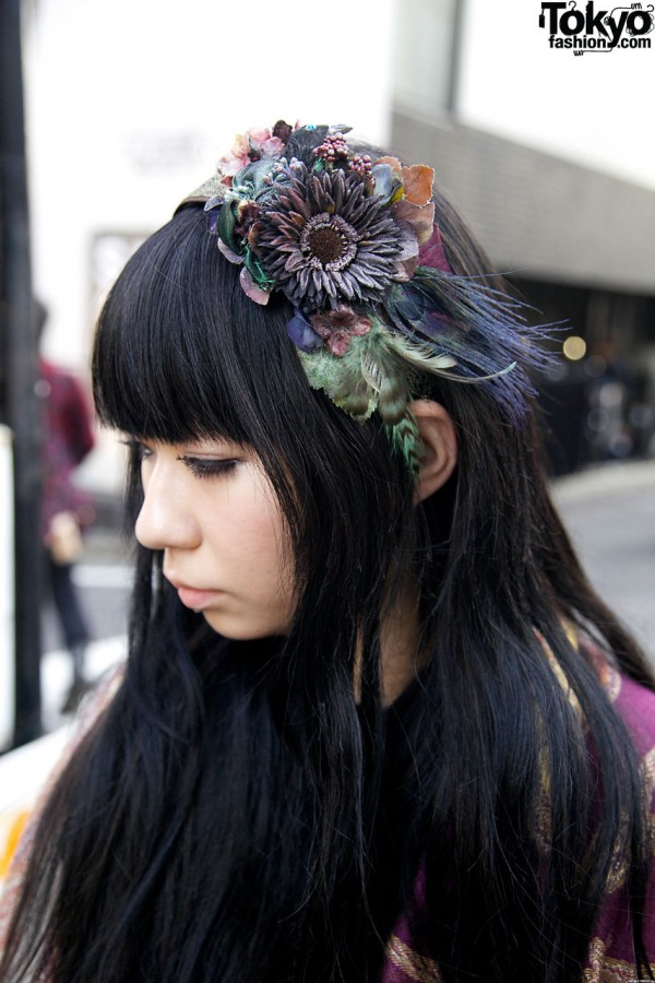 Vintage hat with flowers & feathers