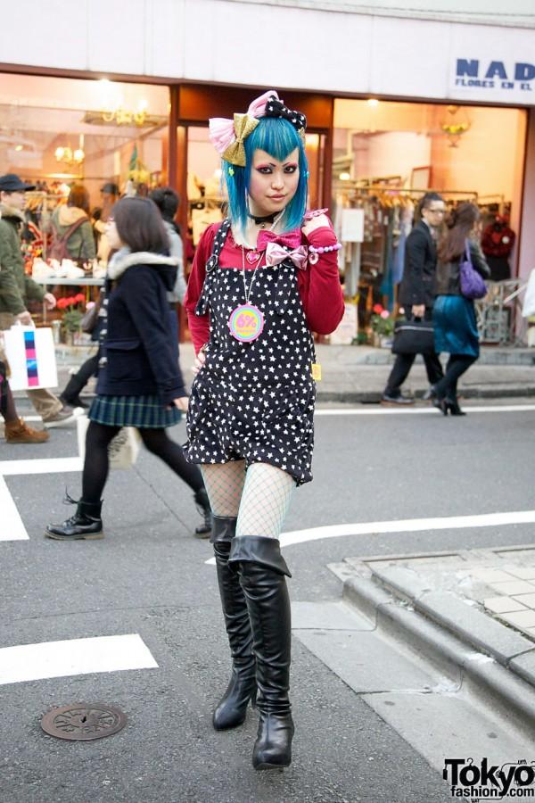 Blue-Haired 6%DokiDoki Shop Girl