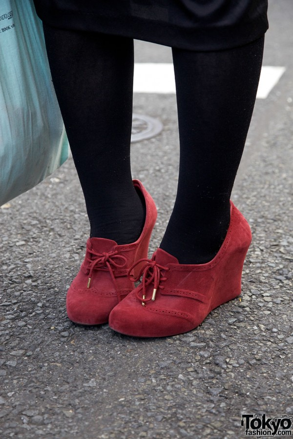 Black tights & red suede Melissa wedges