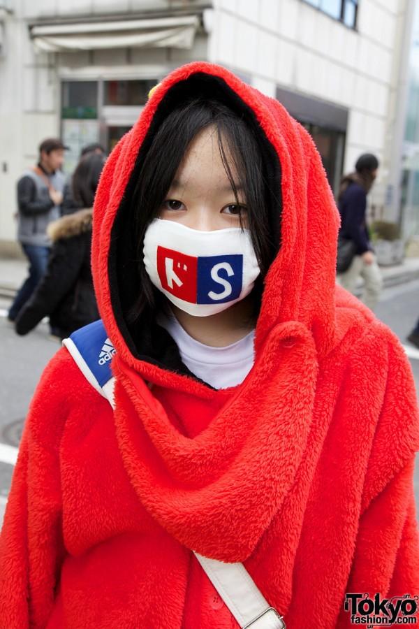 Mukku Girl in Mask in Harajuku