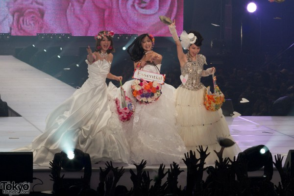 Essential Wedding at Tokyo Girls Collection