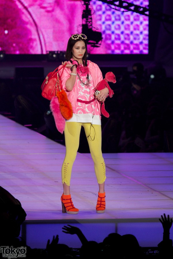 Yves saint Laurent at Tokyo Girls Collection
