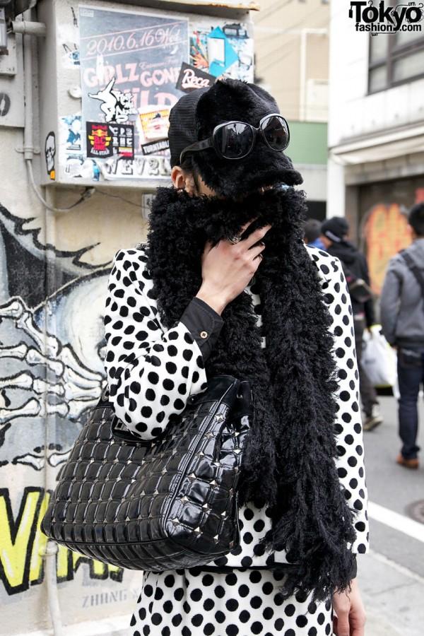 Black furry hat & scarf