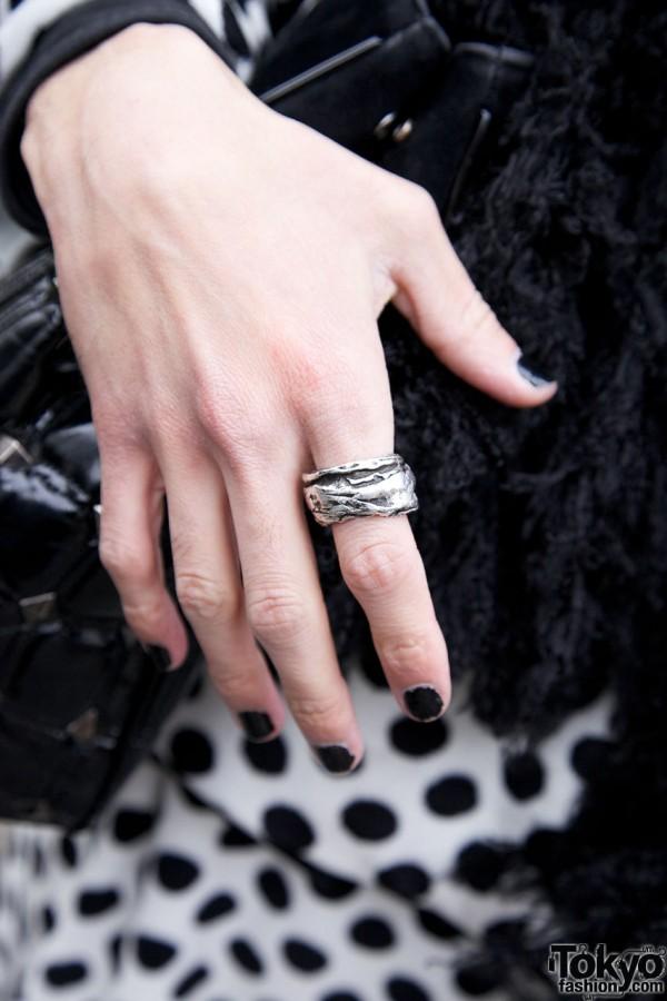 Black fingernails & silver ring
