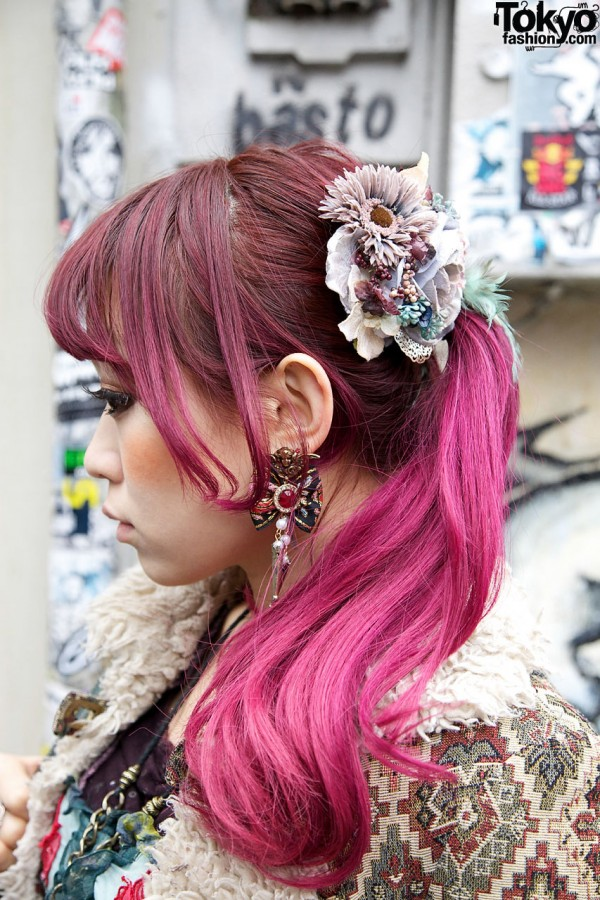 Vintage-inspired earring & hair decoration