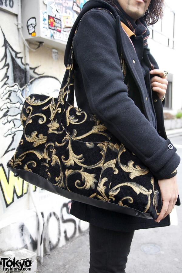 Large print shoulder bag