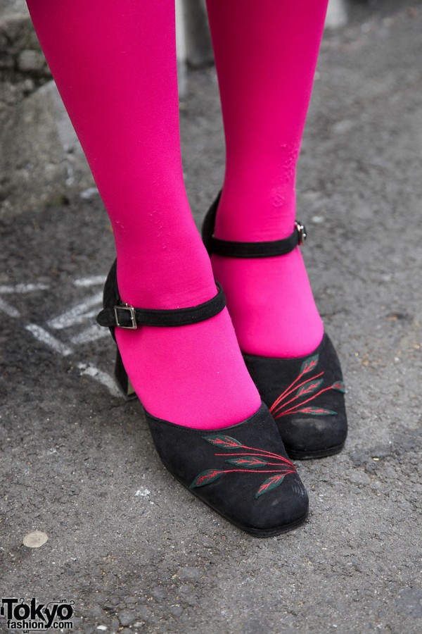 Pink tights & embroidered shoes