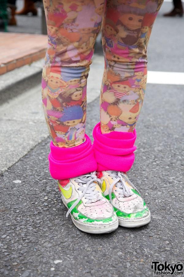 Troll Leggings & Painted Nikes