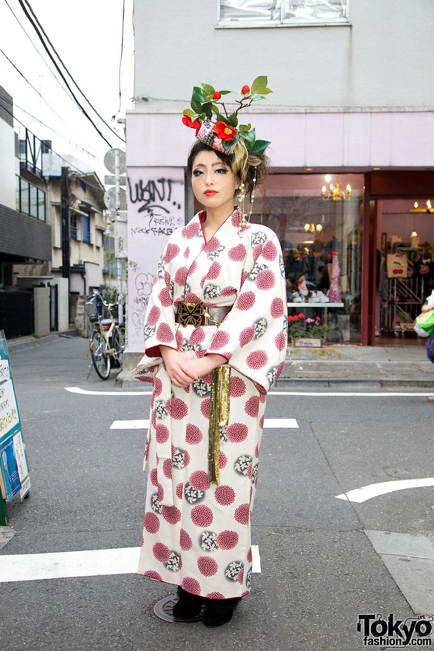 Kimono. Flowered Headdress & Liz Lisa Shoes