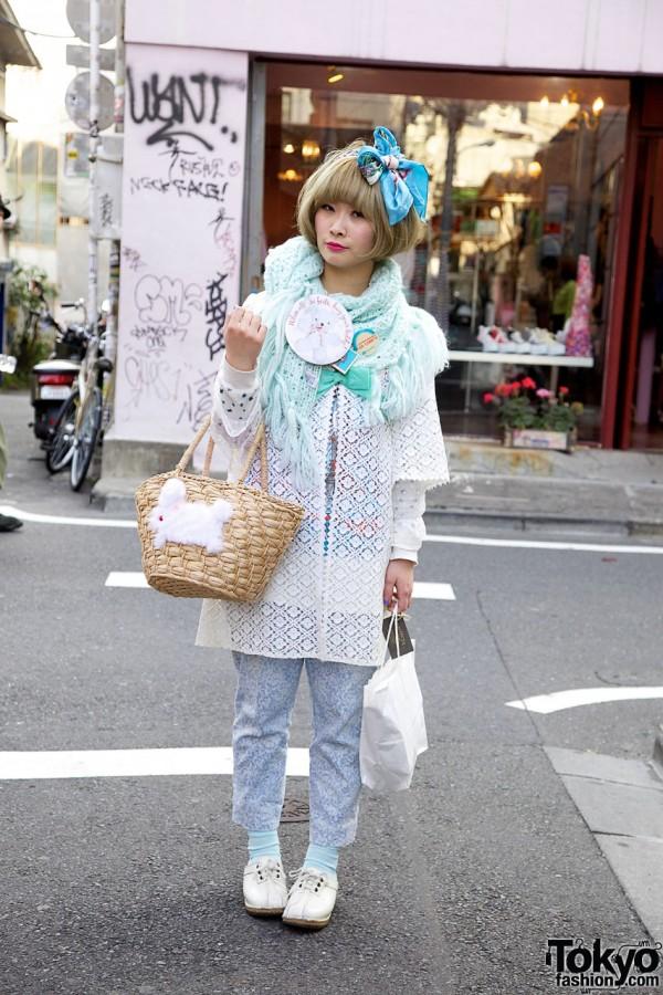 Spinns Harajuku Girl w/ Scarf Hair Bow & Bunny Purse