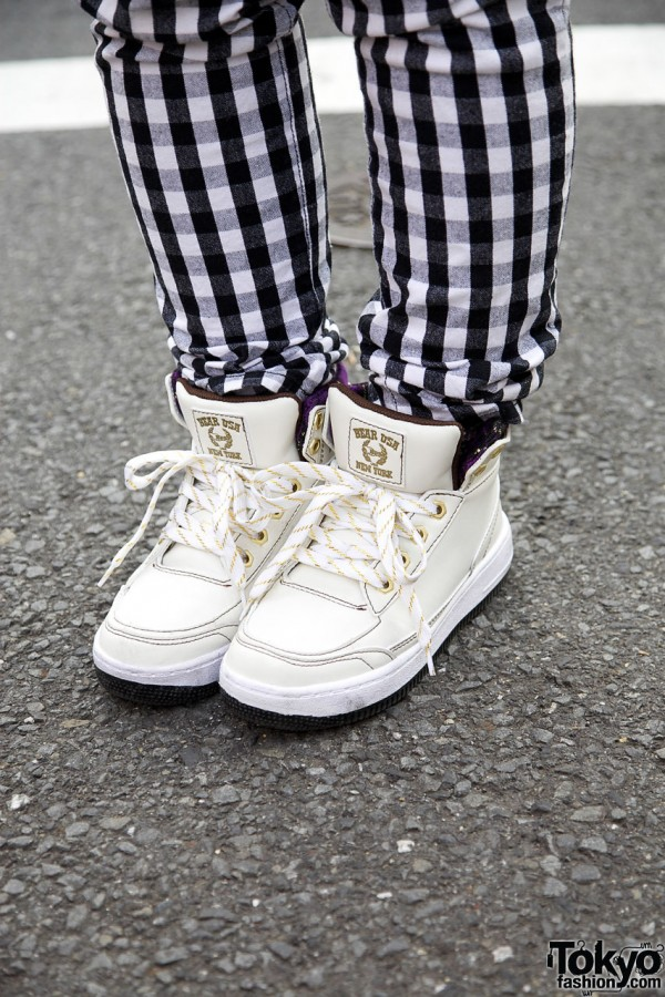 Bear USA sneakers & Shimamura checkered pants