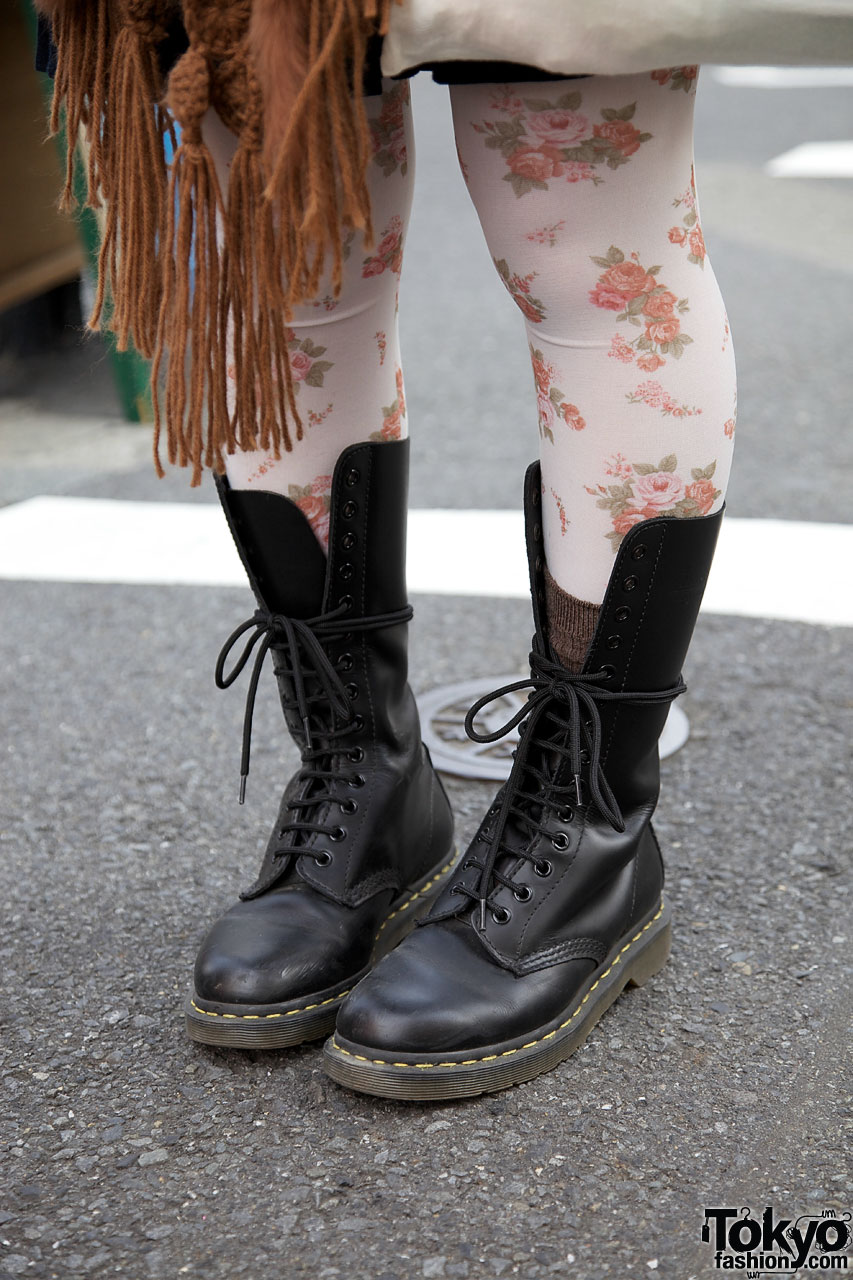 Crochet Shawl Flower Tights Amp Dr Martens Boots