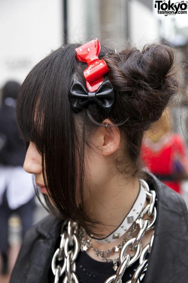 Hair bun & plastic bows