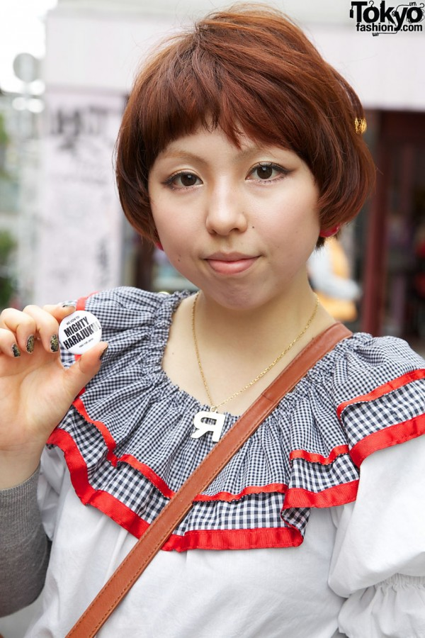 Might Harajuku button & R necklace