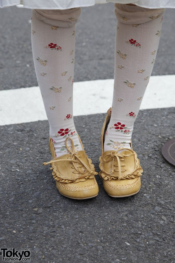 Harajuku oxfords embellished with lace & topstiching