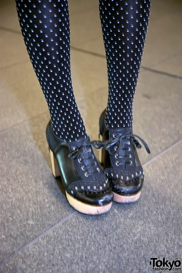 Dotted Tights & Wooden Platforms