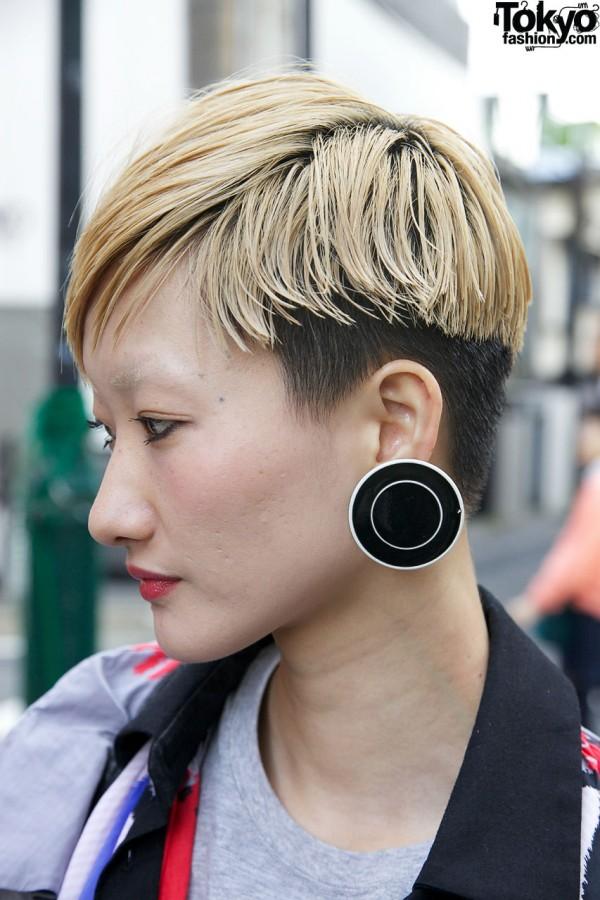 Short Blonde Japanese Hairstyle