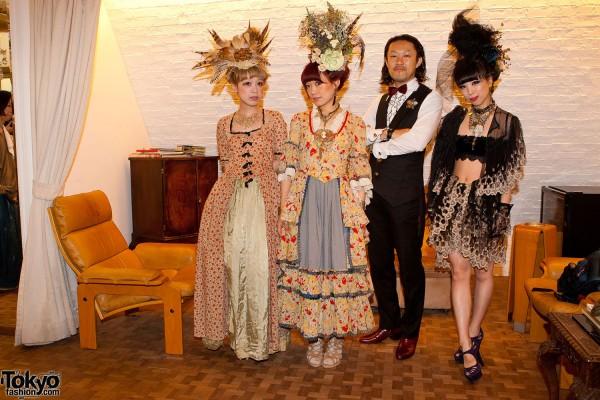 Kaori, Hitomi, Naoaki & Saki