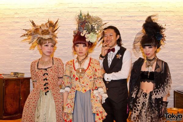 Grimoire Kaori, Hitomi, Naoaki & Saki
