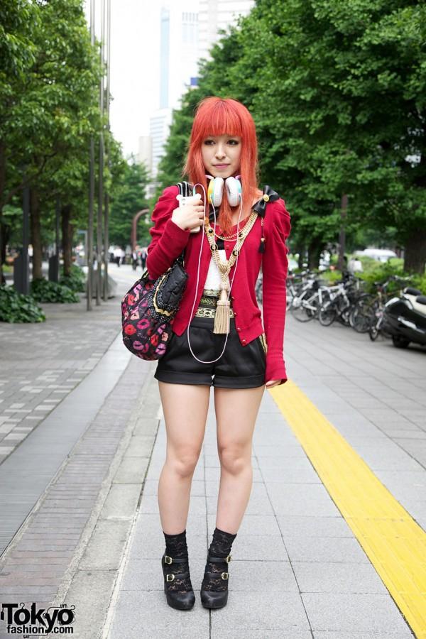 Orange-Haired Girl's Murua Fashion & Tassel Necklace in Shinjuku