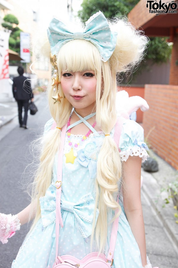 Blonde Japanese Lolita in Angelic Pretty