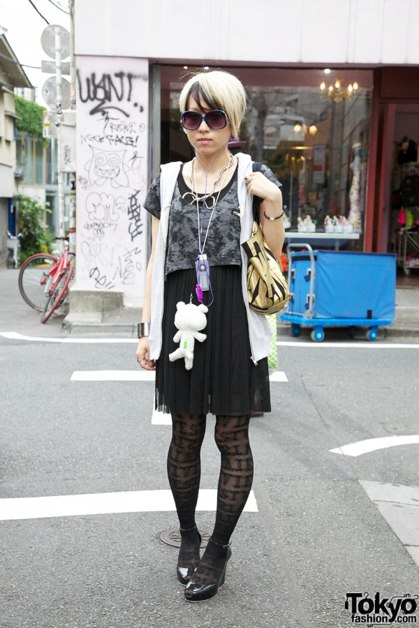Japanese girl with two-tone hair & logo stockings