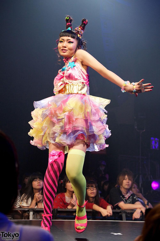 "Harajuku Kawaii Experience: 6%DOKIDOKI Fashion Show At ""Harajuku Kawaii"""