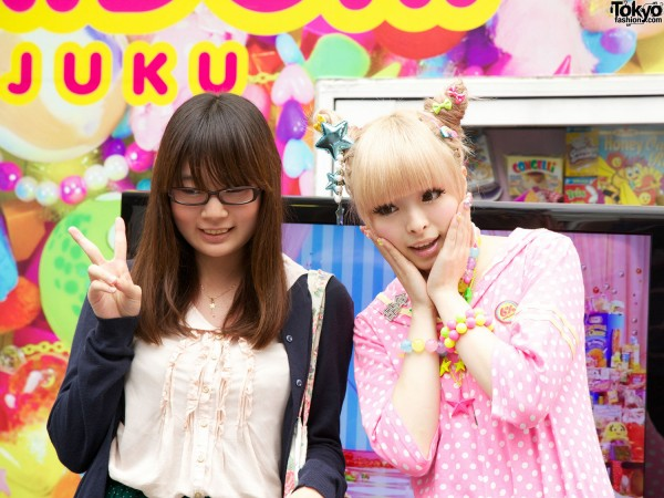 Kyary Pamyu Pamyu With Fan