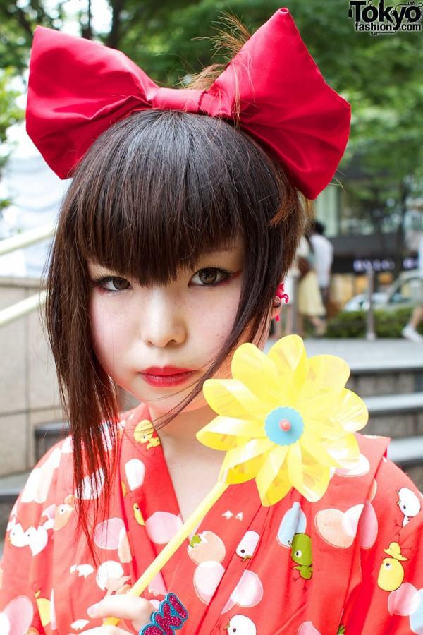 Harajuku Style Girls W Big Hair Bows Bright Colors
