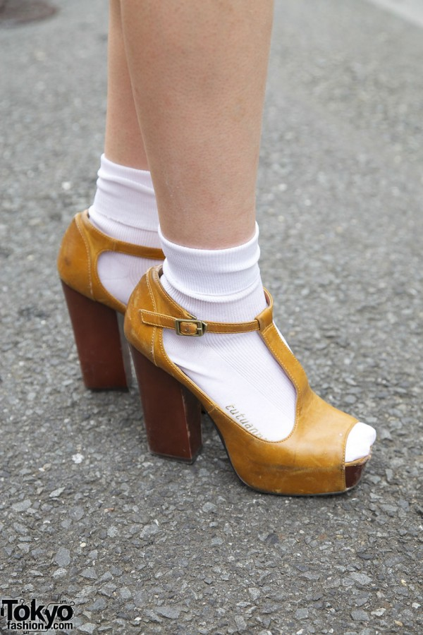 resale platform t-strap shoes