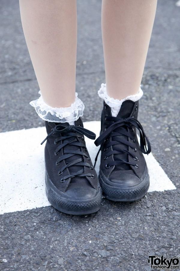 Black Converse sneakers & ruffled socks