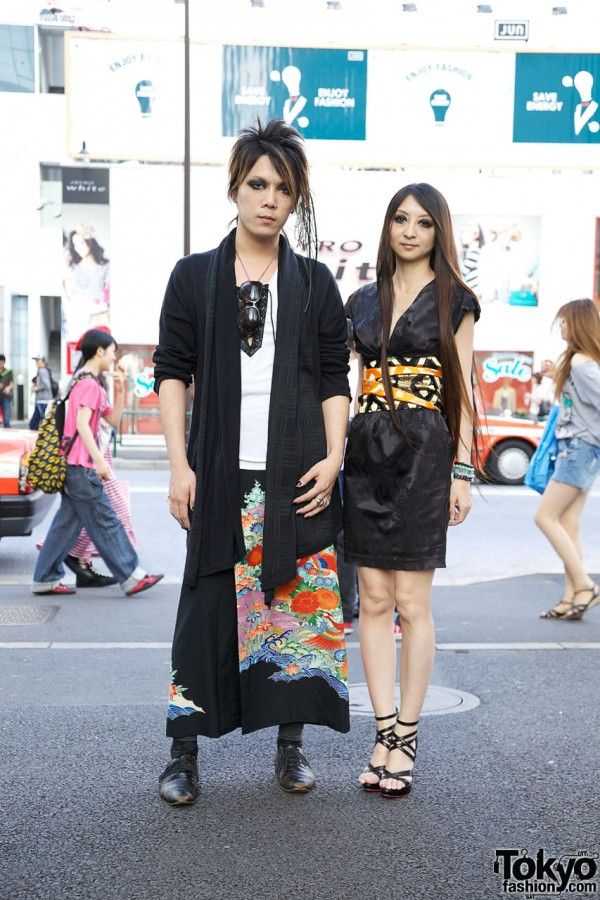 Traditional x Gothic Japanese Street Fashion