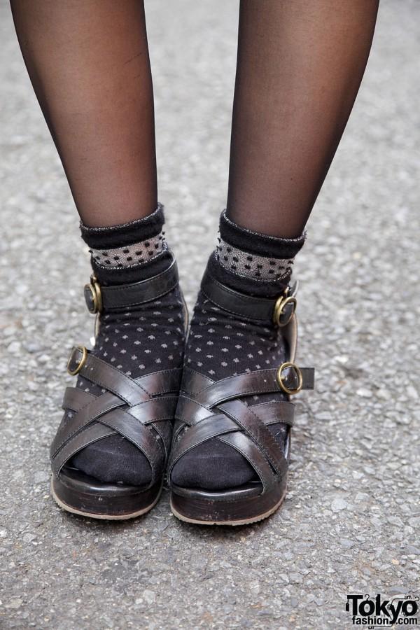 Stockings, ankle socks & sandals