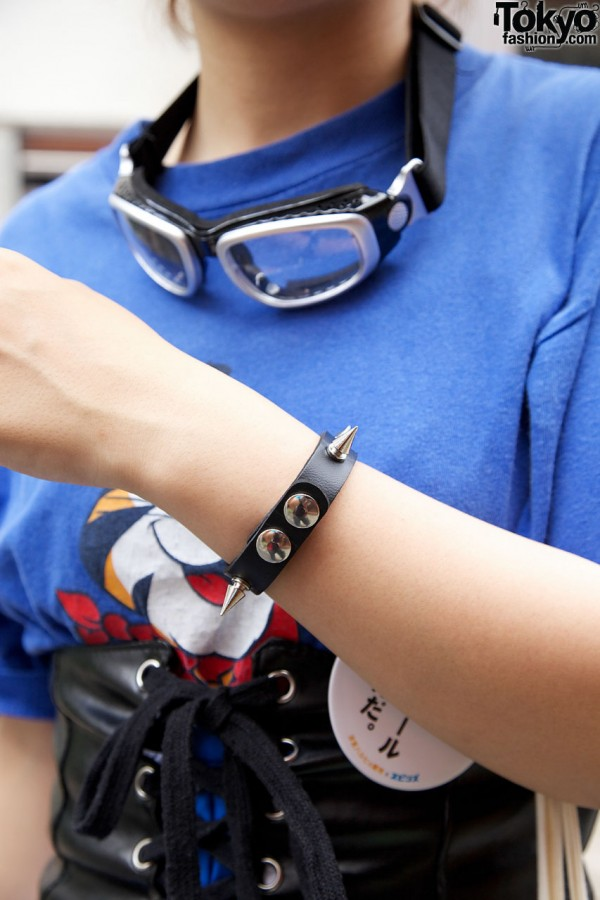 Spiked bracelet & goggles