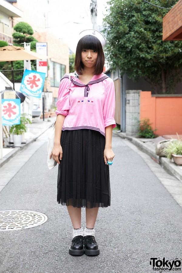 Pink sailor top, G2? cap & Body Line shoes
