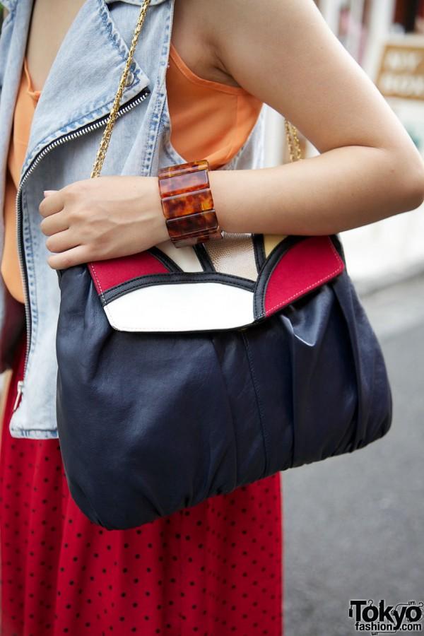 black purse w/ chain strap