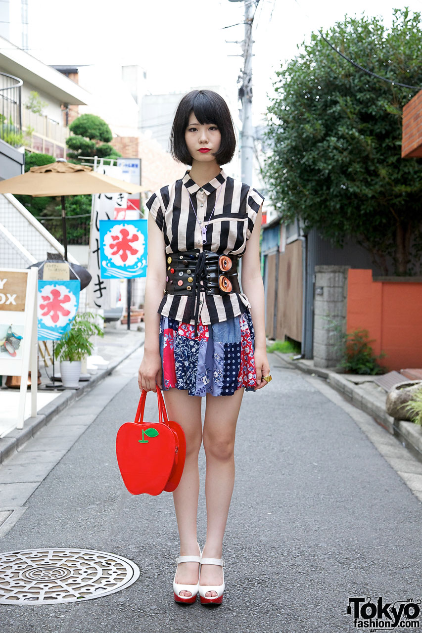 Harajuku Girl 39 S Red Lipstick Bob Hairstyle Patchwork Skirt Corset Belt