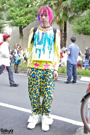 Harajuku Fashion Walk - JUNNYAN