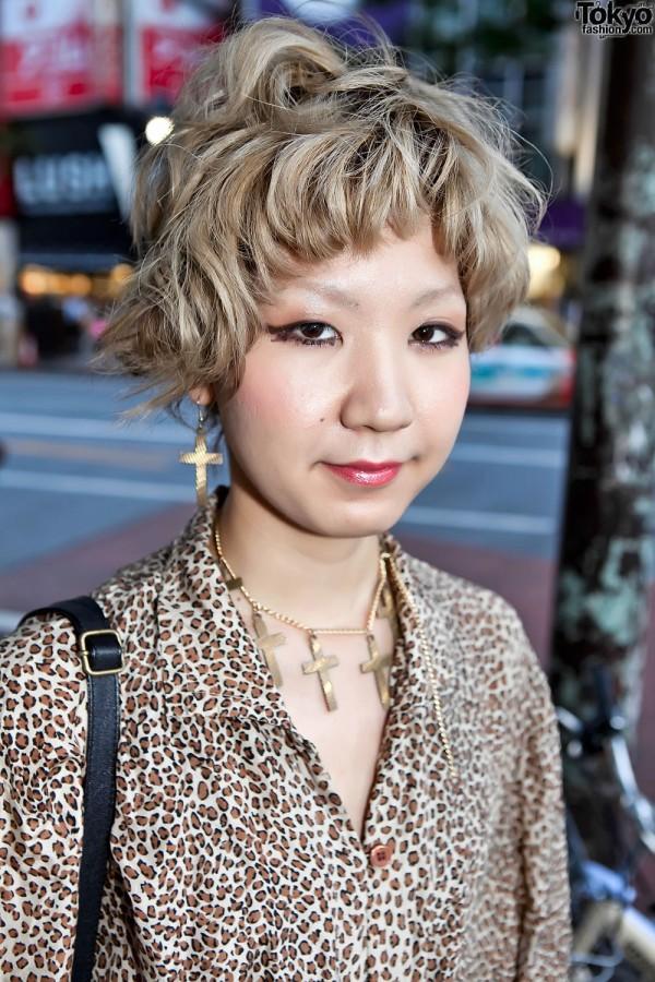 Short Blonde Japanese Hairstyle in Shibuya