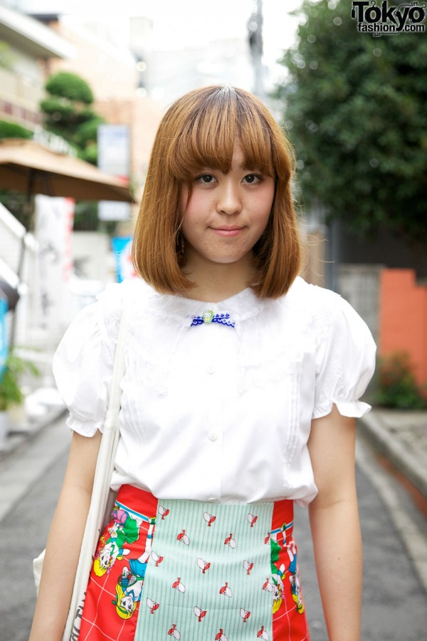 White blouse w/ puff sleeves in Harajuku