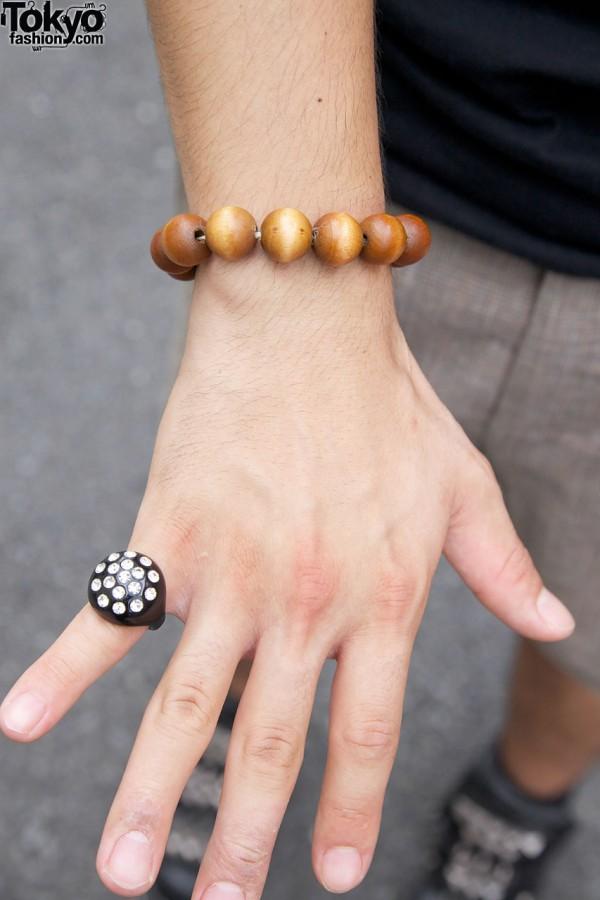 Plastic & rhinestone ring w/ wooden bead bracelet