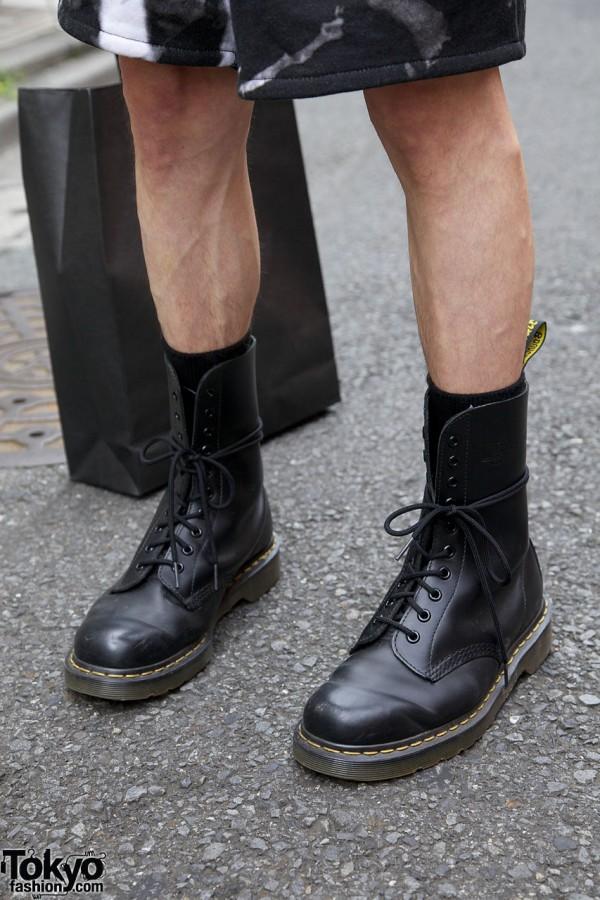 Black socks & boots