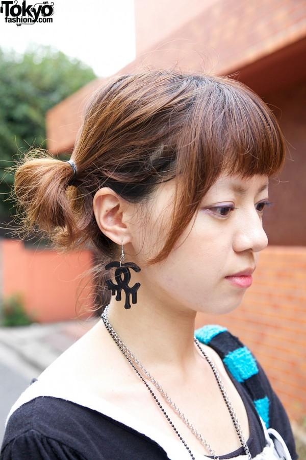 Dripping Chanel logo earrings