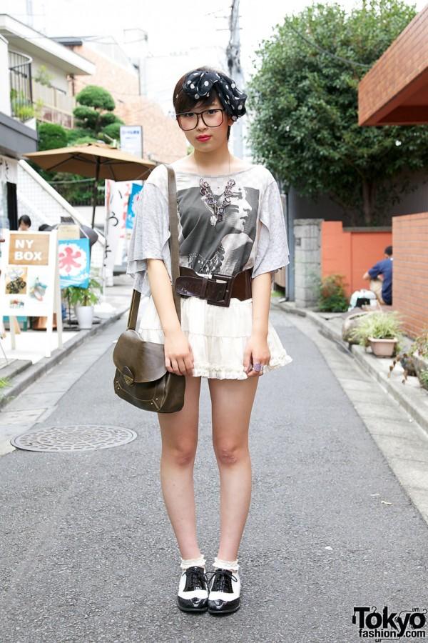Cute Girl's Tiered Mini Skirt & Wego Spectator Shoes